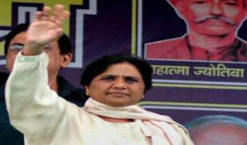 mayawati announces rs 1 lakh assistance to...