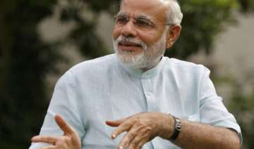 modi wishes voters holi via recorded message -...