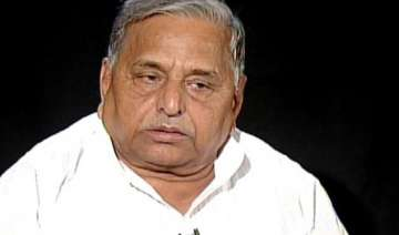 mulayam for talks on alternative front only after...