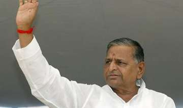mulayam promises special law for rickshaw pullers...