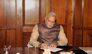 narendra modi reviews progress of monsoon - India...