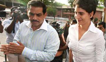 pmo gives clean chit to robert vadra - India TV