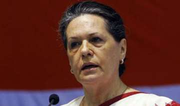 rae bareli women shout slogans against sonia...