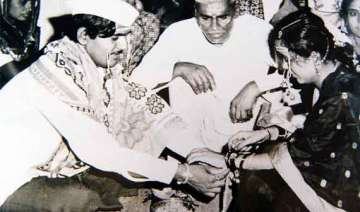 gopinath munde and his family s rare pictures -...