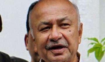 shinde refuses to comment on cbi action on jindal...
