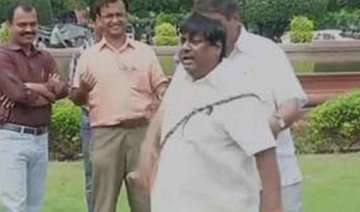 tdp mp lashes himself outside parliament - India...