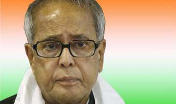team anna has ulterior motives says pranab -...