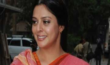 up congress mla misbehaves with actor nagma...