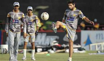 afridi avoiding media on tour of sri lanka -...