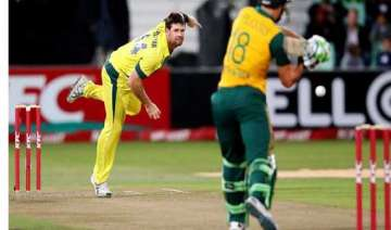 australia beats safrica by 4 wickets in 3rd t20 -...