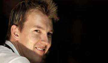 brett lee all set to launch designer scarf line...