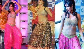 chitrangada adds glamour as virat shikhar ashwin...