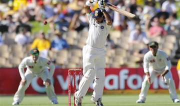 india struggling on 61 2 australia 604 7 declared...