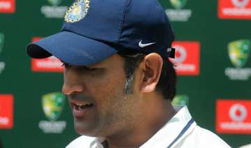 dhoni ready to quit test captaincy - India TV