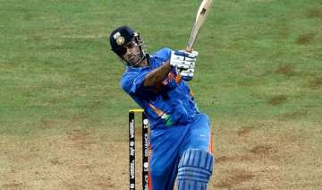 dhoni s world cup bat auctioned for rs. 72 lakhs...