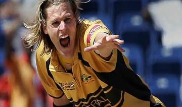 former aussie pacer bracken to roll arms in...