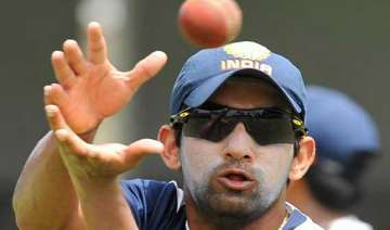 gambhir turns up for his office team ongc - India...