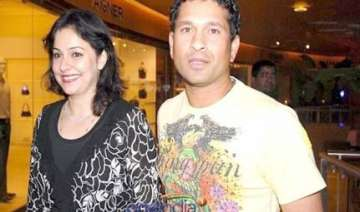 i didn t know sachin jab we met says wife anjali...
