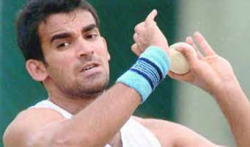 zaheer s return boosts dhoni s confidence in...