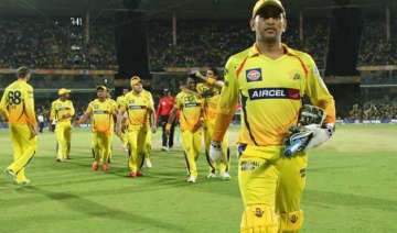 ipl 8 dhoni defends his decision of not using...