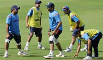 dhoni defends jadeja clears doubt about sehwag -...