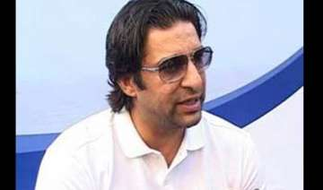 young indian players are spoilt akram - India TV