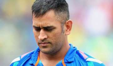 agarkar questions dhoni s place in indian team -...