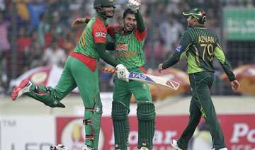 ban vs pak bangladesh beats pakistan by 79 runs...