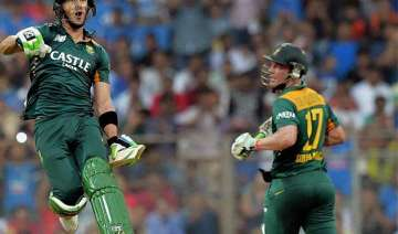 south africa smash their way to mammoth 438/4...