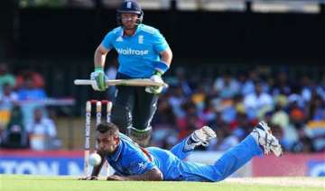 latest updates tri series 3rd odi england beat...