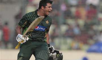 ban vs pak pakistan restricted to 250 by...