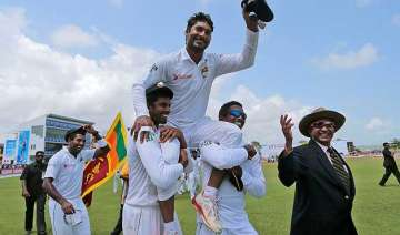 galle gives emotional farewell to kumar...