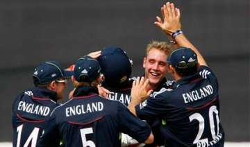 broad sets up england win over aussies - India TV