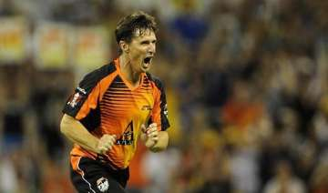 ipl 2015 hogg says he is set to sign for kolkata...