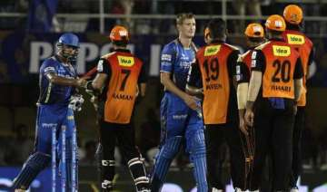 sunrisers down royals by 7 runs to remain in hunt...