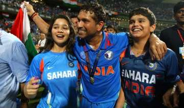 sachin tendulkar rubbishes daughter s film debut...