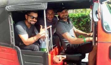 when virat harbhajan took autorickshaw in sri...