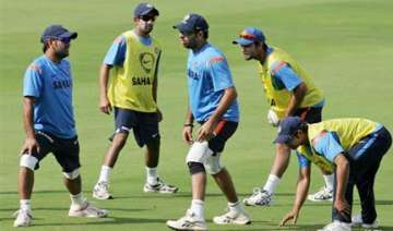 india need 2 0 win over sl to top icc test...