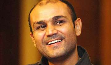 give youngsters time sehwag - India TV