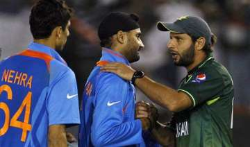 india is lucky to have a captain in dhoni afridi...