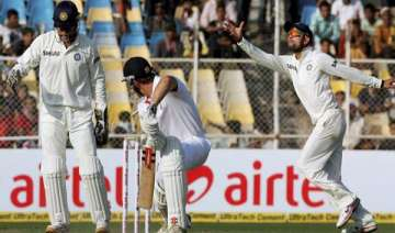 india reduce england to 110/7 at lunch - India TV