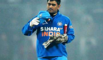 irked fans pelted stone at dhoni s house - India...