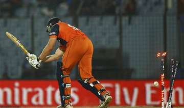 know the lowest totals teams scored in t20...
