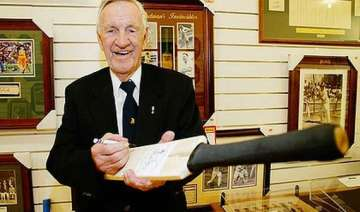 loxton one of bradman s invincibles dies at 90 -...