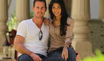 meet the foreign cricketers who married indian...