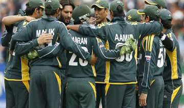pakistan players sign central contract - India TV