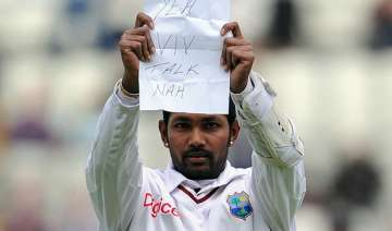 ramdin fined for richards message - India TV