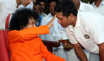 sachin grieves for sai baba do not disturb sign...