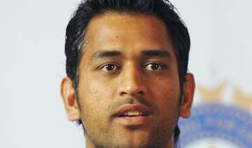 smashed in sydney dhoni finds faults in batsmen...