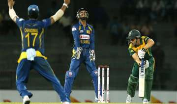 sri lanka beat s africa by 17 runs by dl in 2nd...
